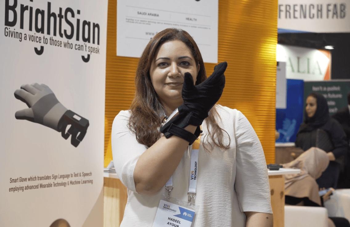 Hadeel Ayoub presents its innovative glove BrightSign at the Viva Tech Show