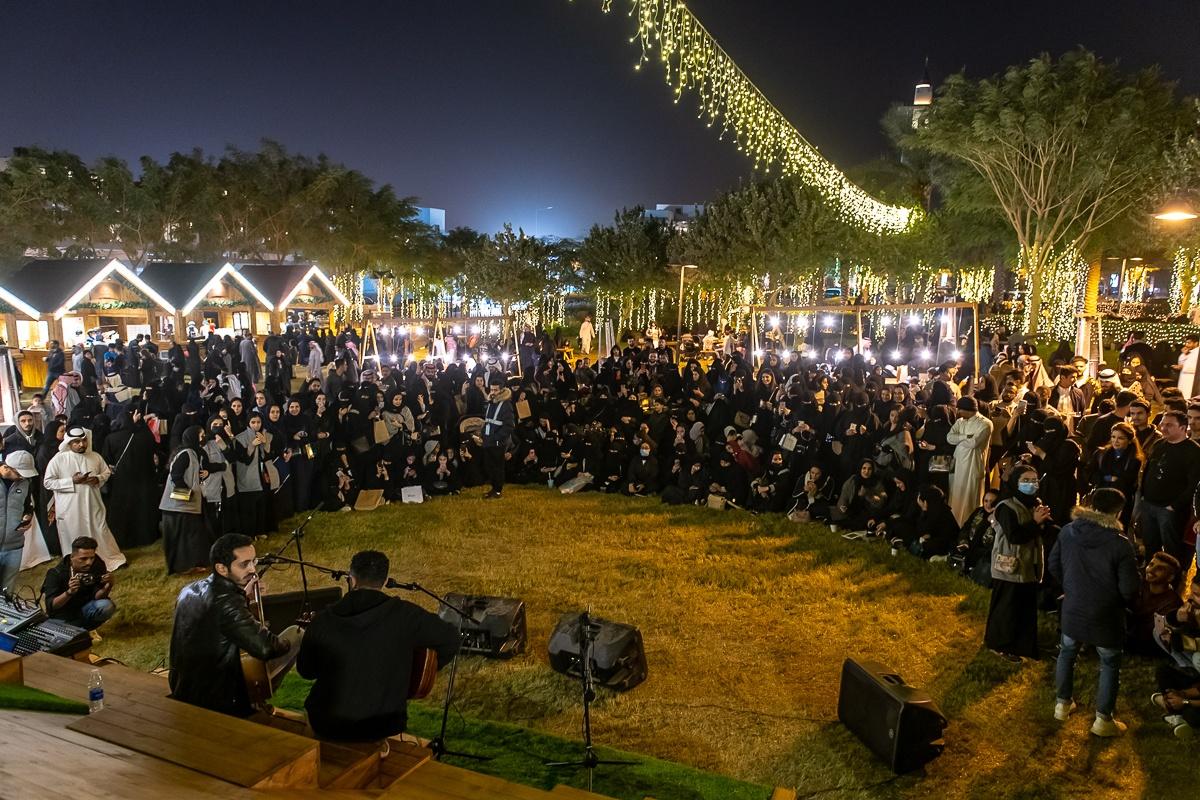 Stands, guirlandes et Frank Sinatra… Comme une ambiance de Noël au Winter Day Out de Riyad