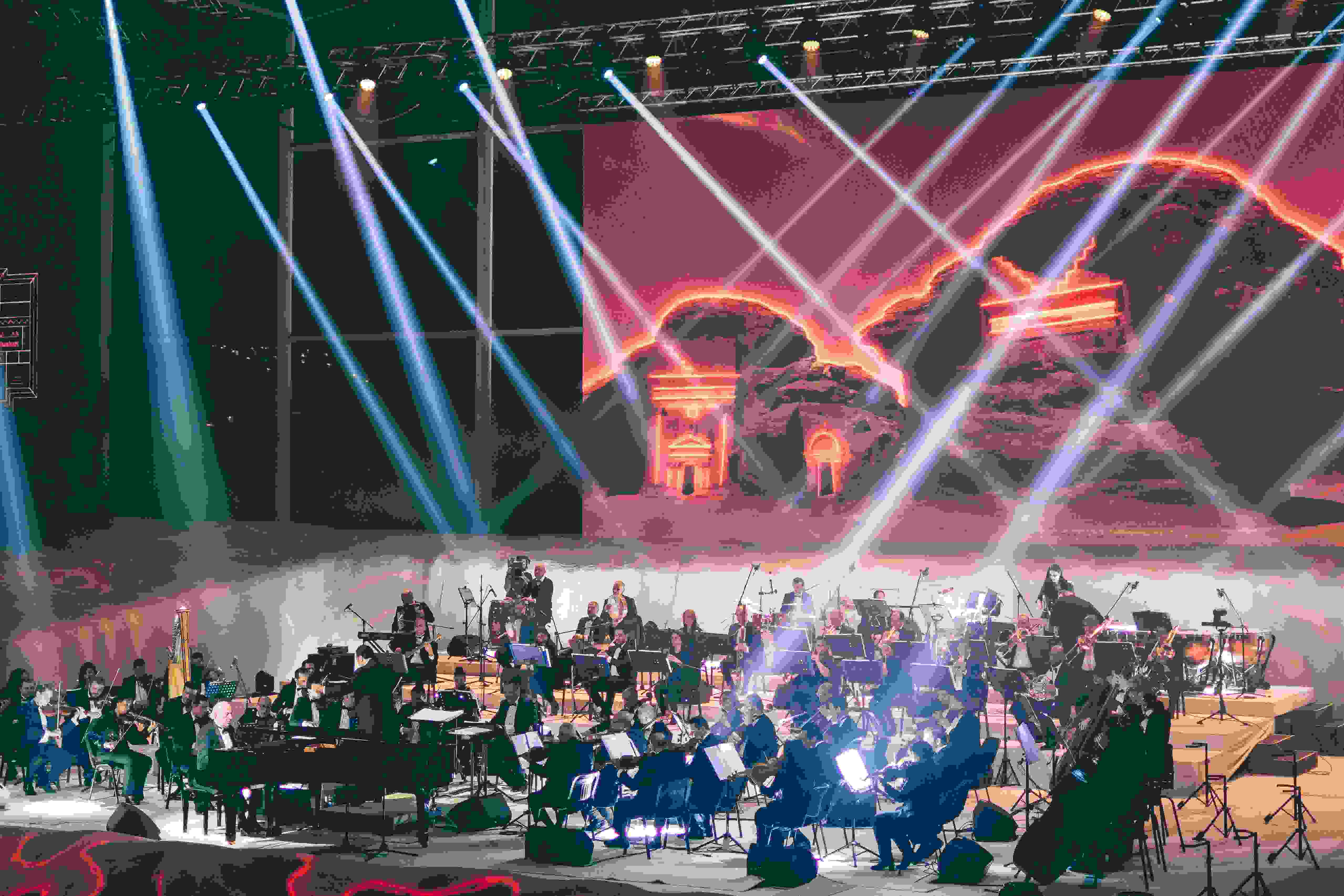 Omar Khayrat's concert in Al-Ula © Marc Nouss