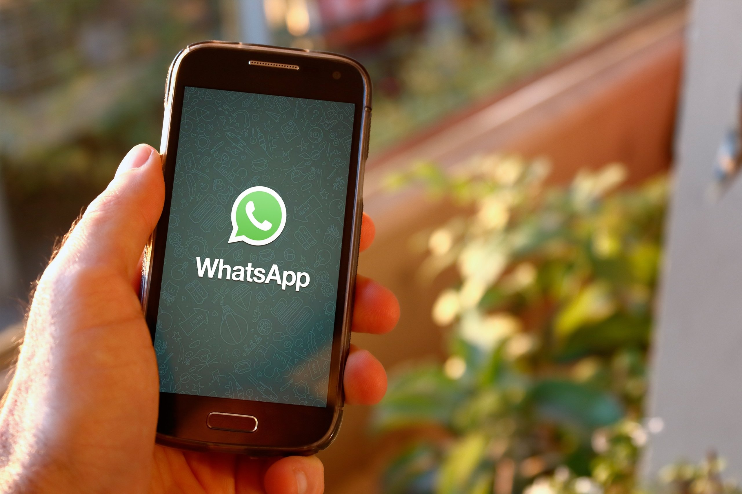 Man Sentenced to Prison in Abu Dhabi for Calling his Fiancée Idiot on Whatsapp