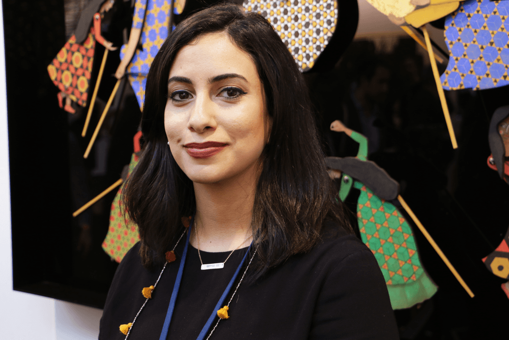 L'artiste Sarah Al Abdali au YIA de Paris.